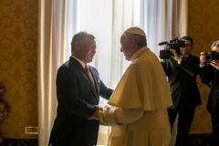جلالة-الملك-عبدالله-الثاني-يلتقي-قداسة-البابا-فرنسيس-في-الفاتيكان