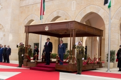 الملك-عبدالله-الثاني-يتقبل-رئيس-حكومة-الوفاق-اليبي-فائز-السراج
