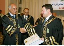 جلالة-الملك-عبدالله-الثاني-يتسلم-شهادة-الدكتورة-الفخرية-من-جامعة-ال-البيت