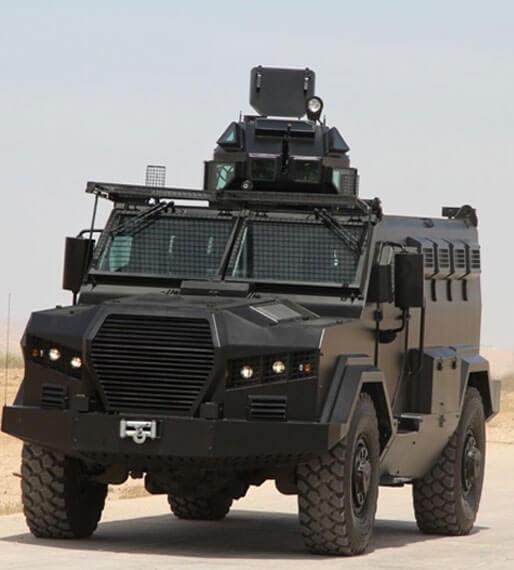 آلية عسكرية مصفحة