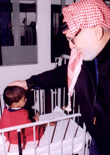 الملك الحسين بافتتاح دار البر بالبراعم البريئة