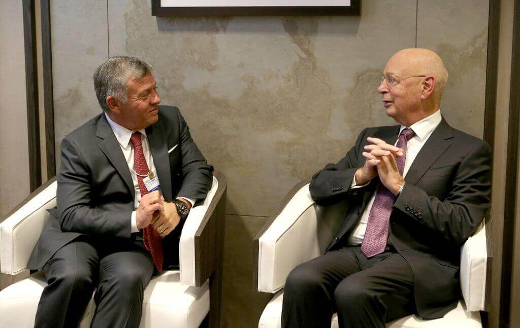 الملك عبد الله الثاني ورئيس المنتدى الاقتصادي العالمي كلاوس